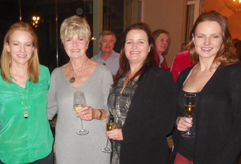 Roxy, Wendy, Debbie & Sam Floquet